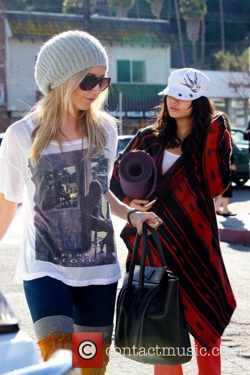 Ashley Tisdale and Vanessa Hudgens 9