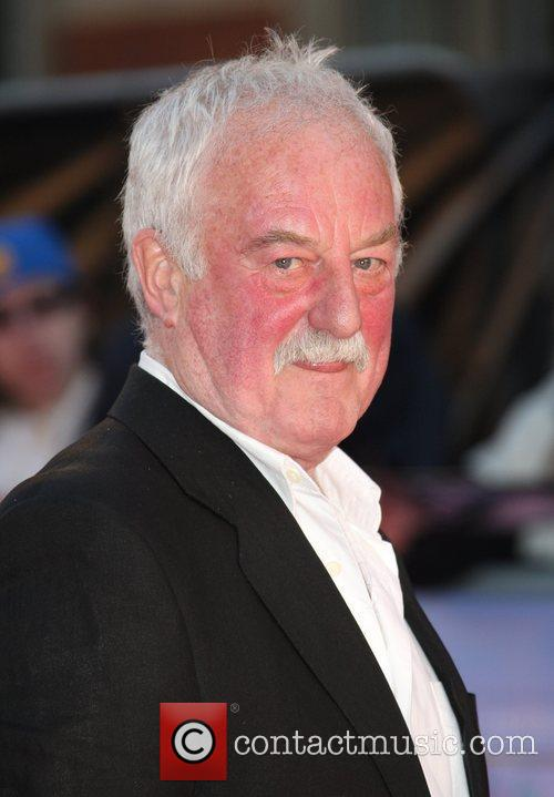 bernard hill net worth