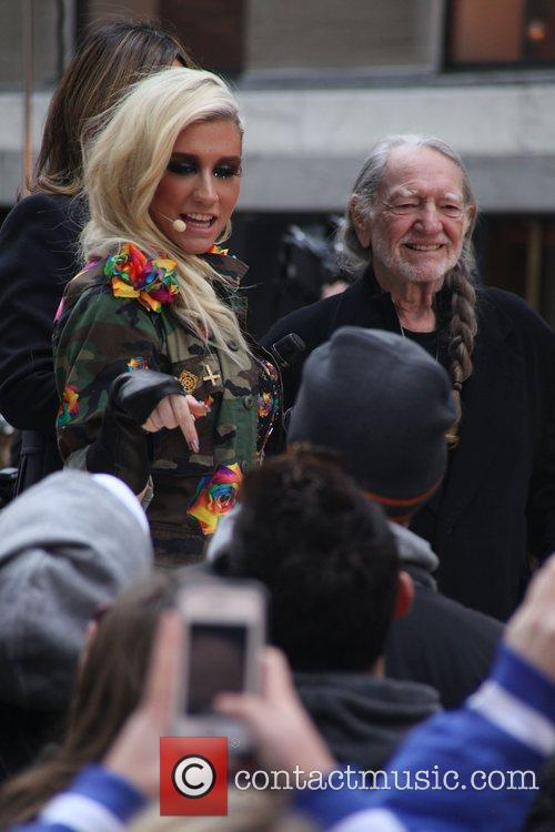 Kesha and Willie Nelson 3