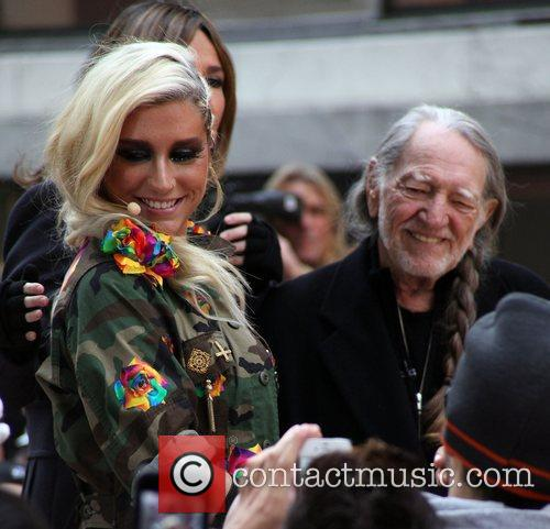 Ke, Kesha and Willie Nelson 1