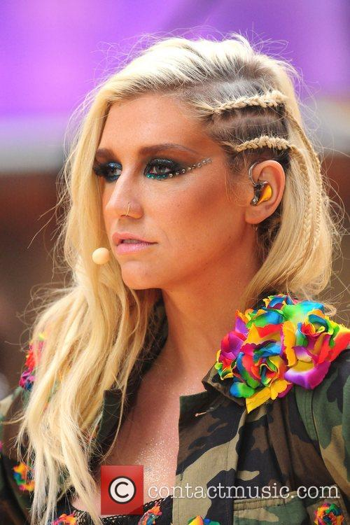 Ke, Kesha, Toyota Thanksgiving Concert Series, Today, Rockefeller Center New York and City 8