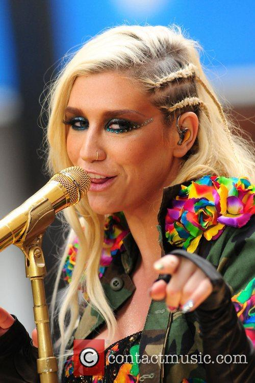 Ke, Kesha, Toyota Thanksgiving Concert Series, Today, Rockefeller Center New York and City 1