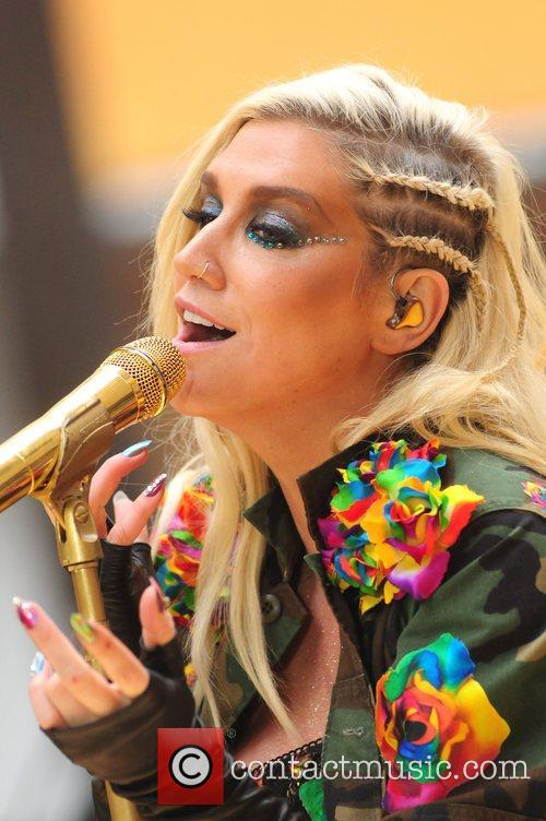 Ke, Kesha, Toyota Thanksgiving Concert Series, Today, Rockefeller Center New York and City 10