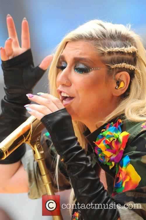 Ke, Kesha, Toyota Thanksgiving Concert Series, Today, Rockefeller Center New York and City 18