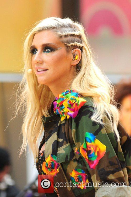 Ke, Kesha, Toyota Thanksgiving Concert Series, Today, Rockefeller Center New York and City 11