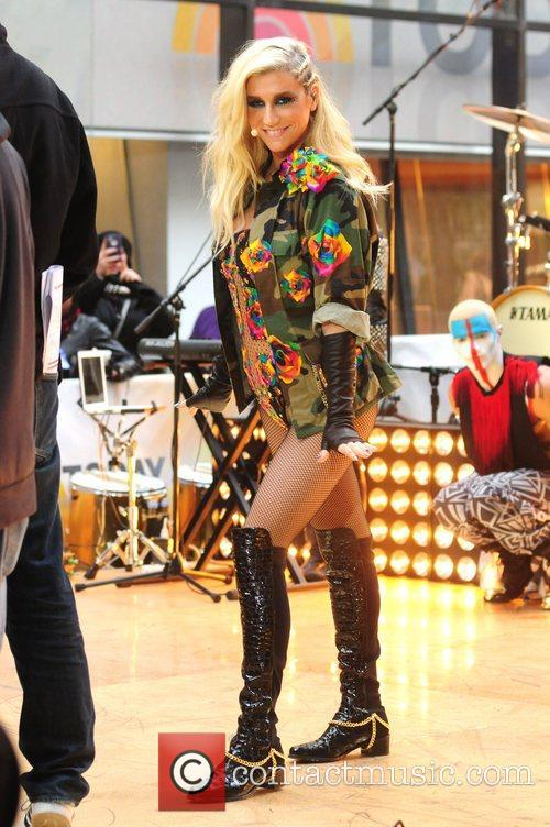 Kesha, City, Toyota Thanksgiving Concert Series, Today and Rockefeller Center New York 7