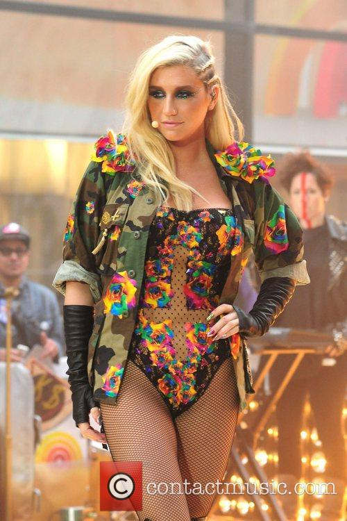 Ke, Kesha, Toyota Thanksgiving Concert Series, Today, Rockefeller Center New York and City 5