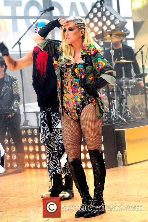 Ke, Kesha, Toyota Thanksgiving Concert Series, Today, Rockefeller Center New York and City 6