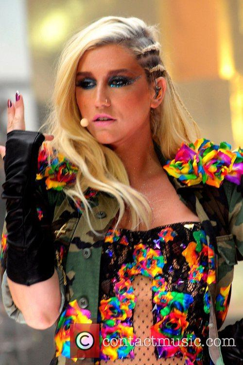 Ke, Kesha, Toyota Thanksgiving Concert Series, Today, Rockefeller Center New York and City 20