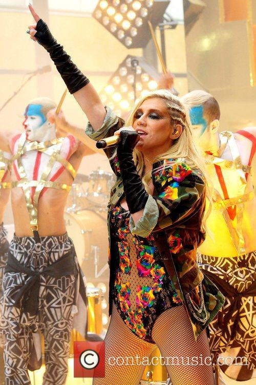 Ke, Kesha, Toyota Thanksgiving Concert Series, Today, Rockefeller Center New York and City 7