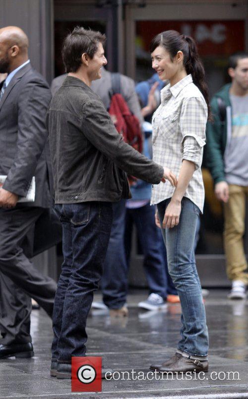 Tom Cruise and Olga Kurylenko 3