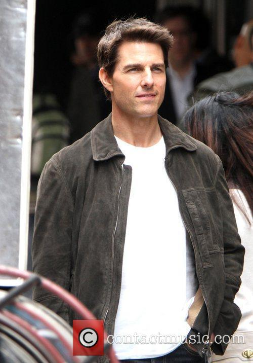 tom cruise filming on the set of 5863592