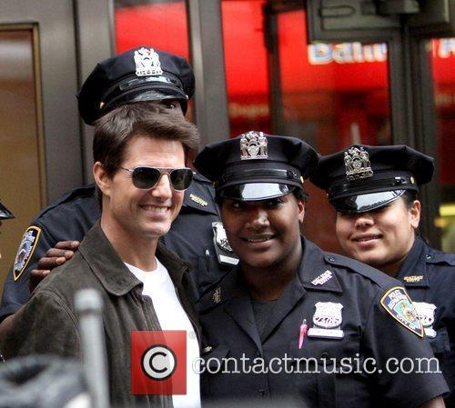 Tom Cruise filming on the set of 'Oblivion'...