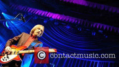 tom petty amp the heartbreakers performing at 3961990