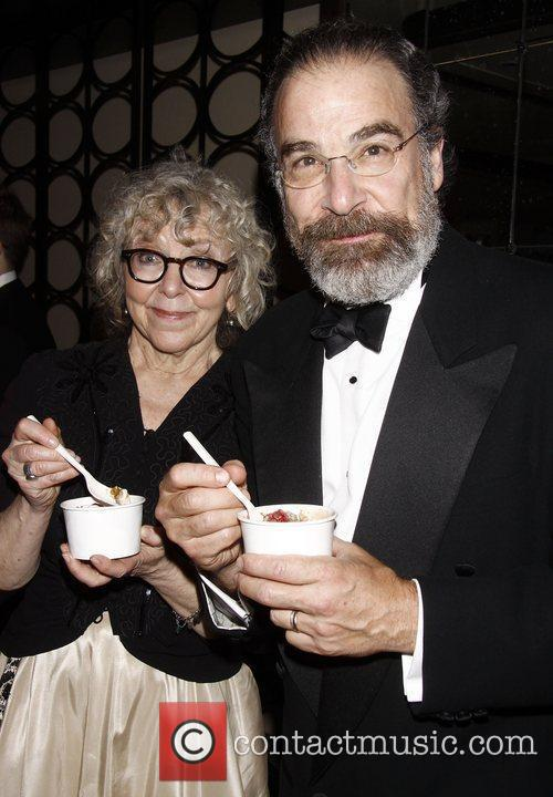 Kathryn Grody and Mandy Patinkin 3
