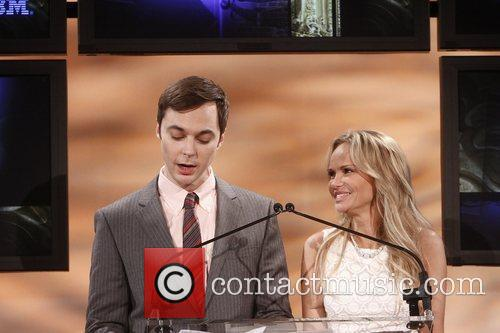 jim parsons and kristin chenoweth announce the 5834249