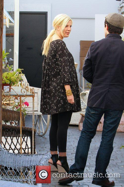 tori spelling spending some time at her 3690967