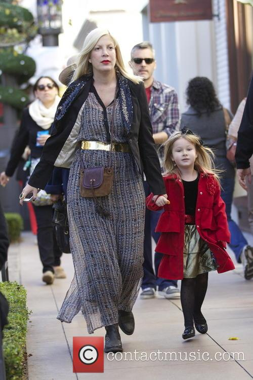 Tori Spelling and Stella Mcdermott 11