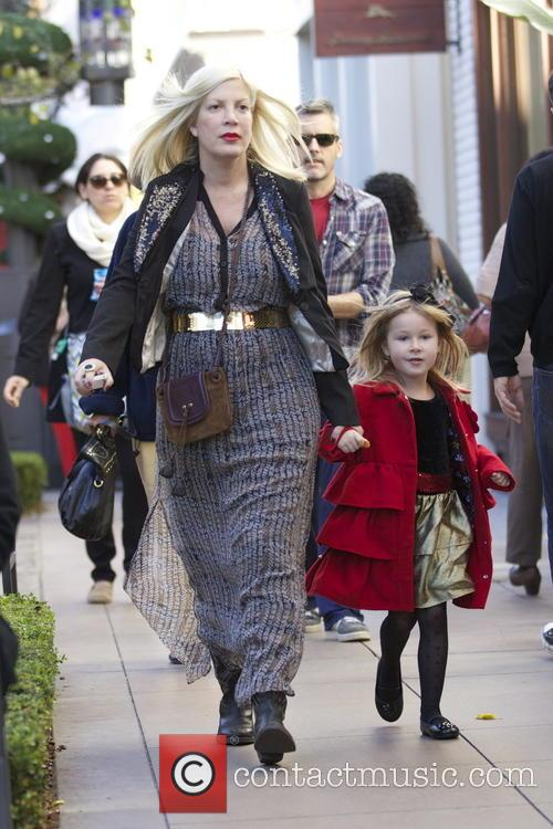 Tori Spelling and Stella Mcdermott 10