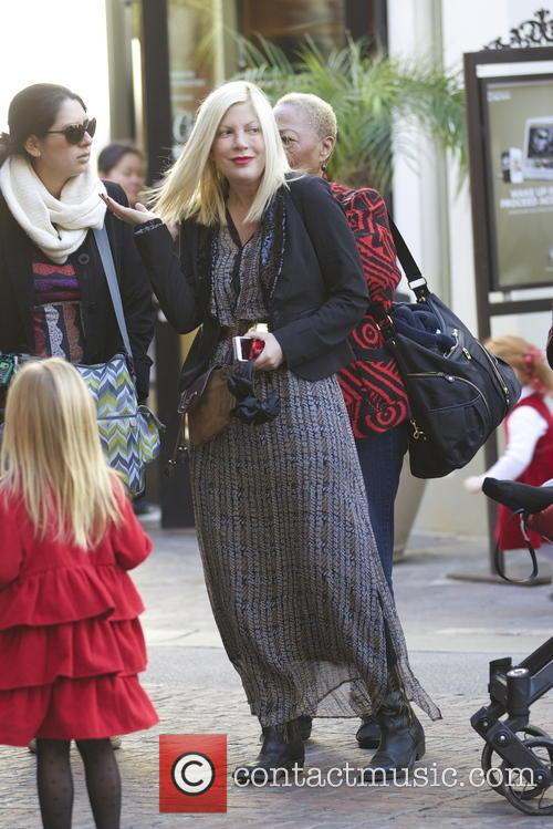 tori spelling tori spelling and her family 20035199