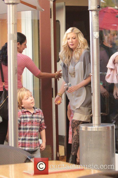 tori spelling and her son liam mcdermott 5785101