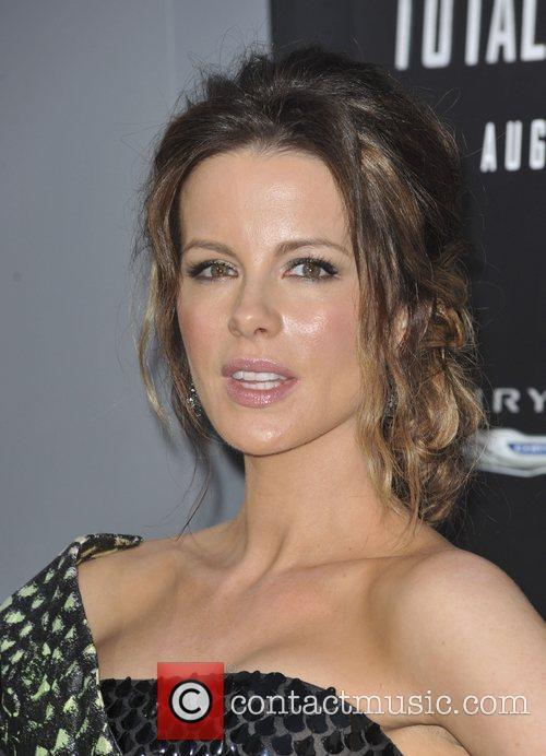 Kate Beckinsale and Grauman's Chinese Theatre 9