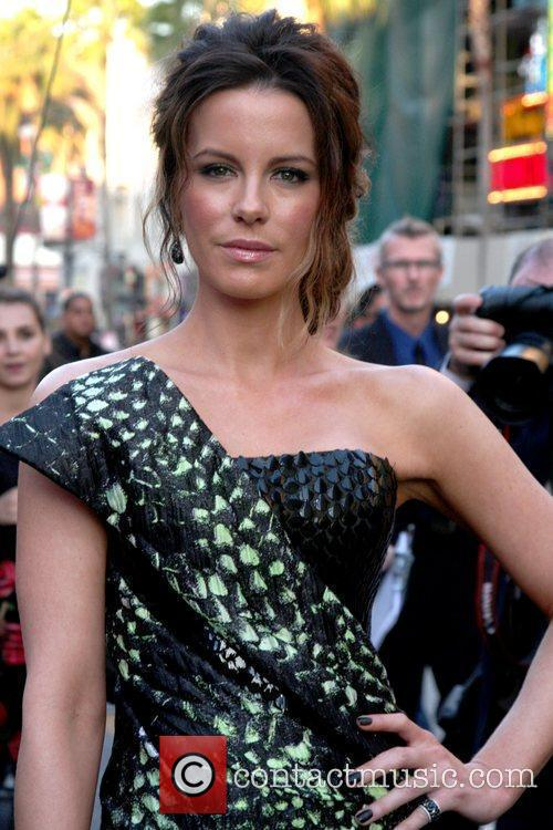 Kate Beckinsale and Grauman's Chinese Theatre 17