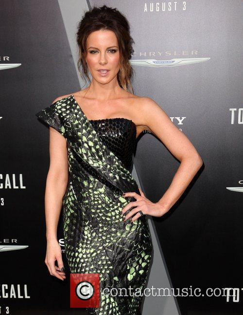 Kate Beckinsale and Grauman's Chinese Theatre 21