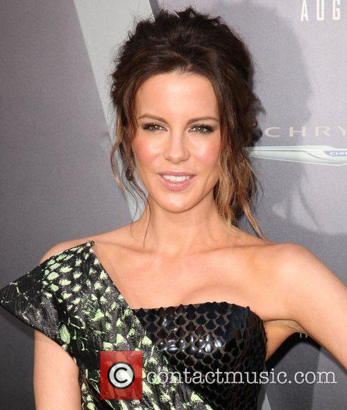 Kate Beckinsale and Grauman's Chinese Theatre 25