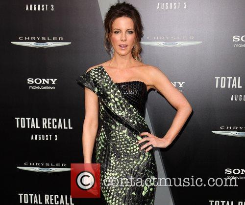 Kate Beckinsale and Grauman's Chinese Theatre 27