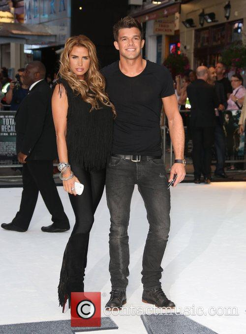 katie price and leandro penna london premiere 5894480