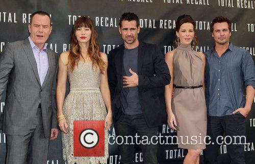 Bryan Cranston, Jessica Biel, Colin Farrell, Kate Beckinsale,...