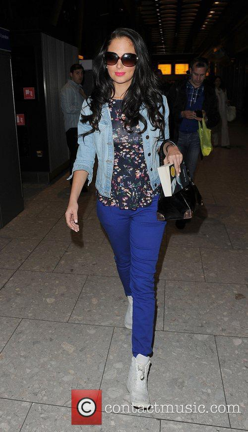 tulisa contostavlos arriving at heathrow airport on 3894484
