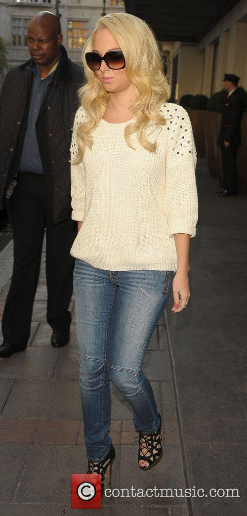 tulisa contostavlos leaving her hotel london england 4101583