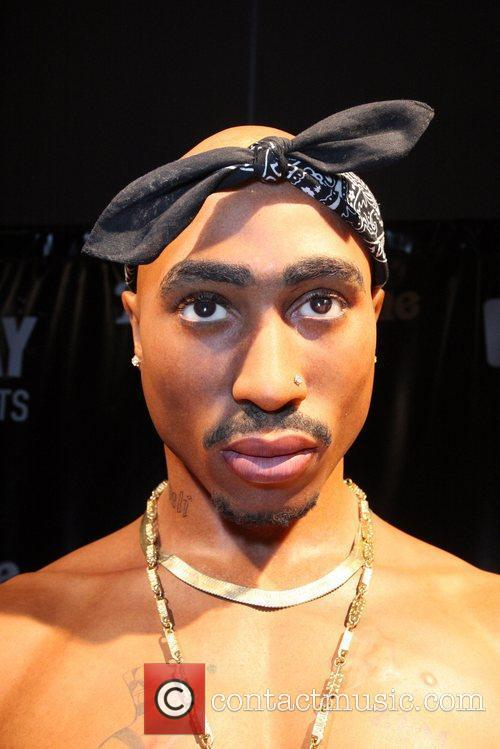 Tupac Shakur and Madame Tussauds 7