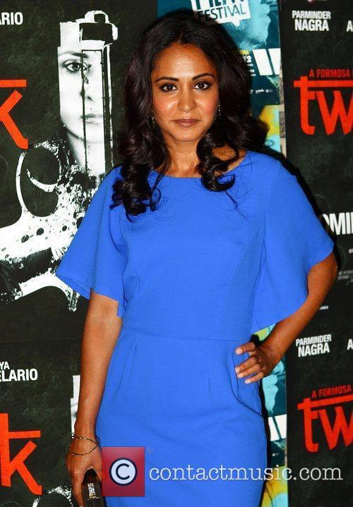 parminder nagra twenty8k premiere at the east 3978752