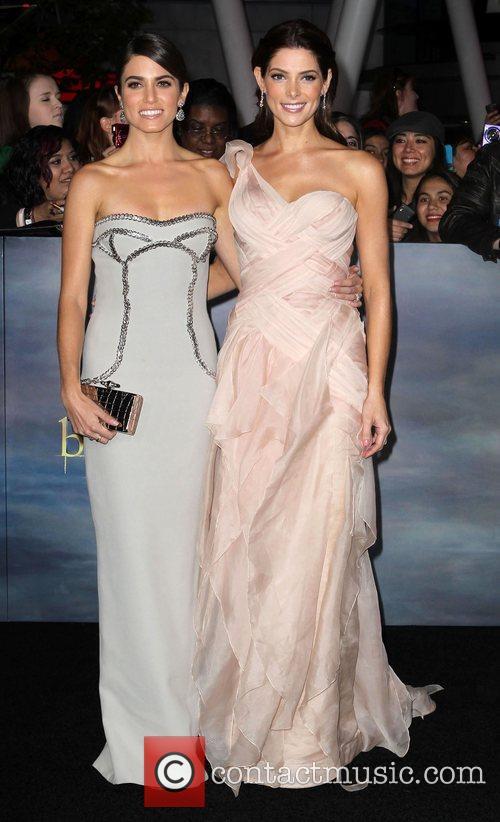Nikki Reed and Ashley Greene 5