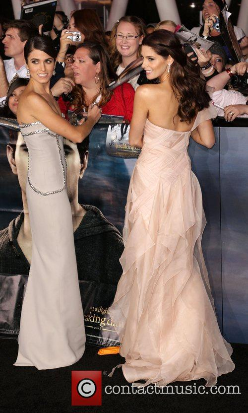 nikki reed and ashley greene the premiere 4173069