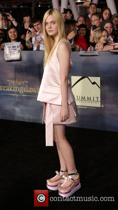 elle fanning premiere of summit entertainments the 4173308