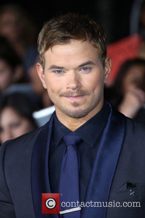 actor kellan lutz the premiere of the 5949805