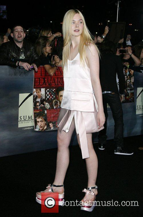 elle fanning the premiere of the twilight 4172428
