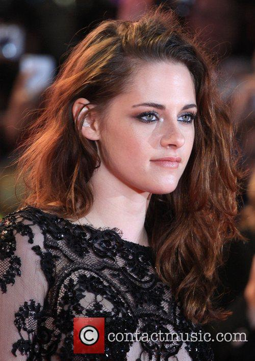 kristen stewart the twilight saga breaking dawn 5951228