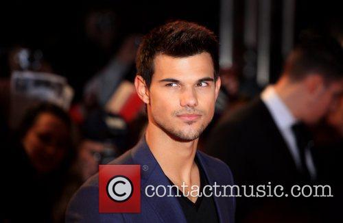 Taylor Lautner 8