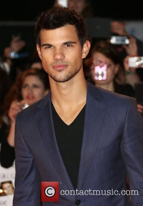 Taylor Lautner 11