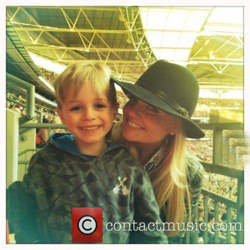 Emma Bunton tweets this pic with the caption,'Beau...