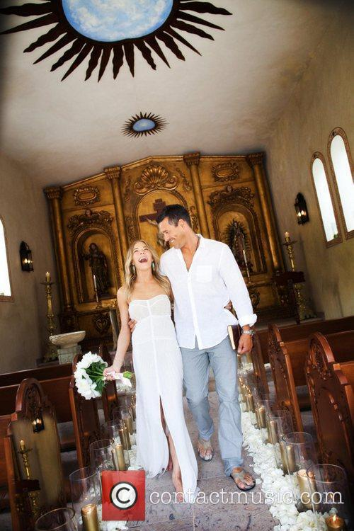 LeAnn Rimes and Eddie Cibrian Renew Vows