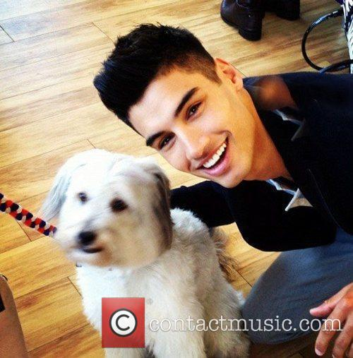 Siva from The Wanted tweets this pic with...
