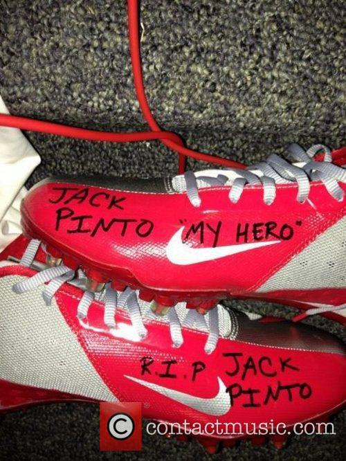 Victor Cruz posted this image to twitter with...
