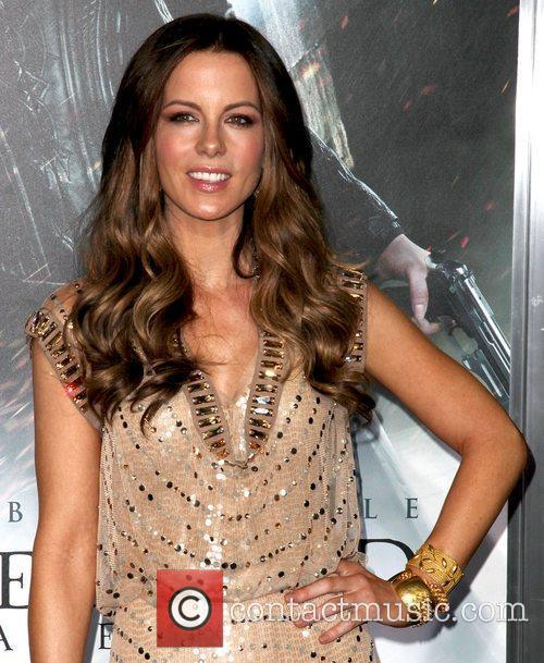 Kate Beckinsale and Grauman's Chinese Theatre 4