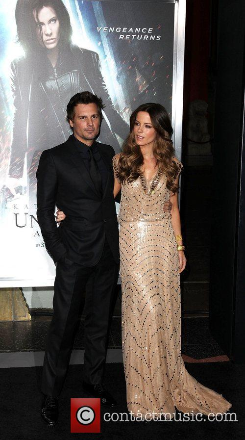Len Wiseman and Kate Beckinsale Premiere of Screen...